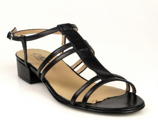 sandalias bajas de tacón cuadrado.u460
