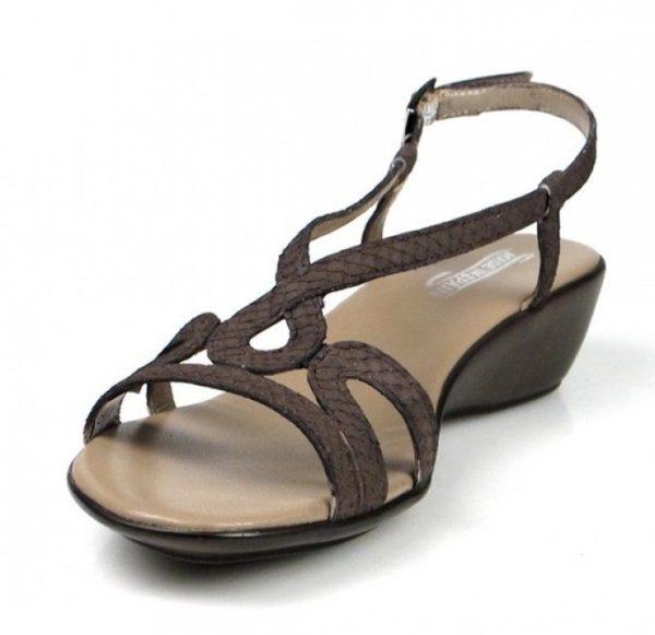 sandalias marrones de cuña baja.u450