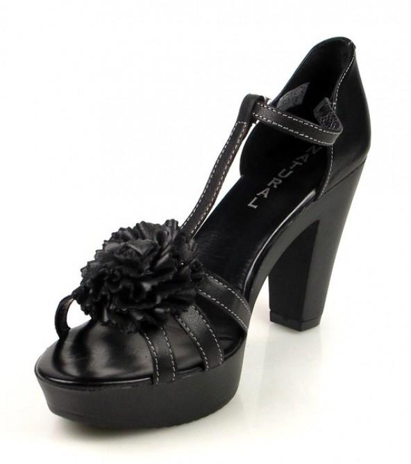 sandalias negras con flor .u461