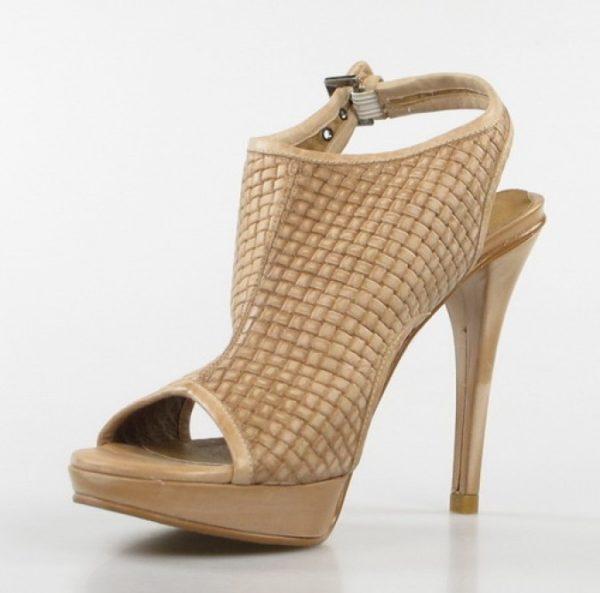 sandalia tacón beige.o013