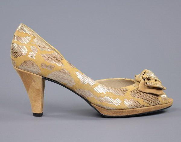 zapato de tacón taupe.o92