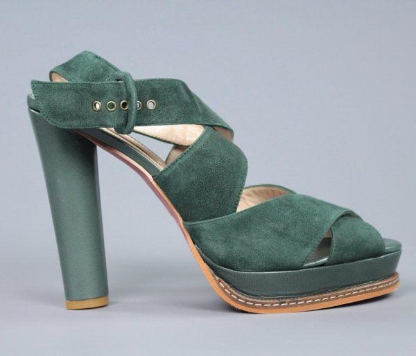 sandalia en ante verde.o098
