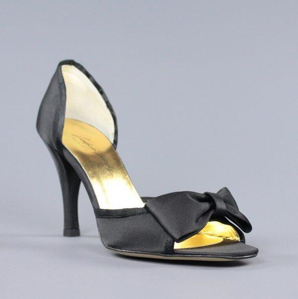 Sandalias de raso negro.u794