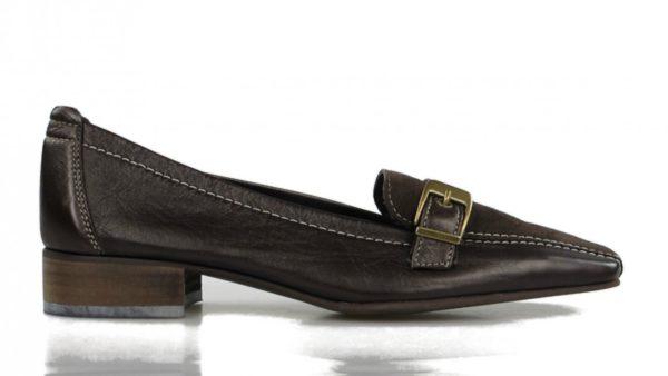 zapato marrón de piel blanda.u181