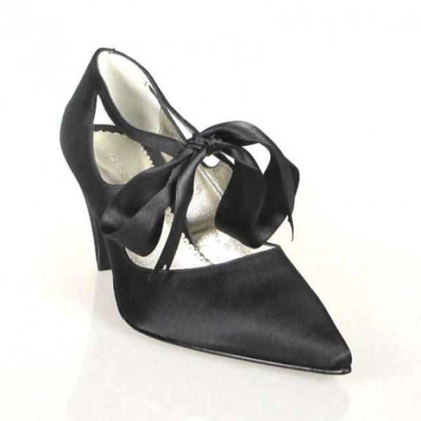 zapato raso negro con puntera .o308