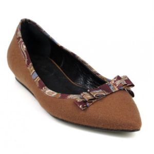 Zapatos planos marrones.o414