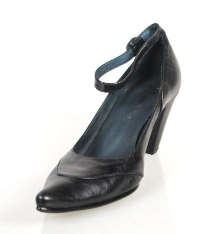 Zapato negro pulsera.u802