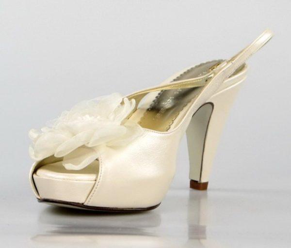 zapatos de novia con flor. o800
