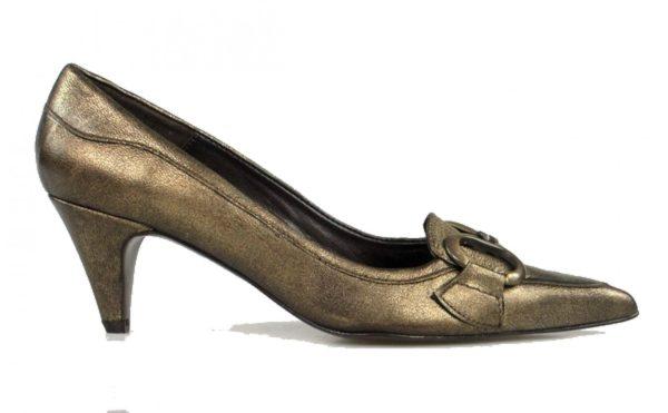 zapatos bronce de puntera . u247