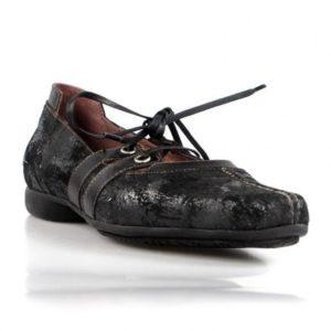 zapatos marrones con cordones . o958