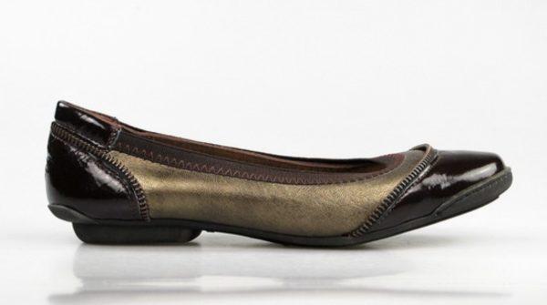 zapatos planos de piel. u527