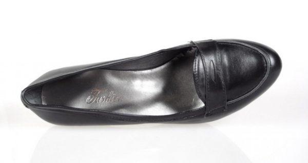 zapatos de salón negro.o376