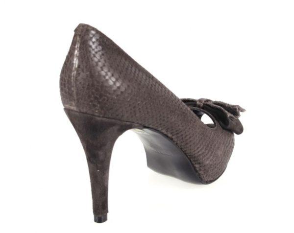 zapato marrón peep toe.o383