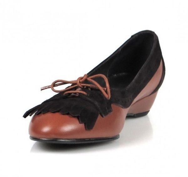 zapato marrón flecos. o657