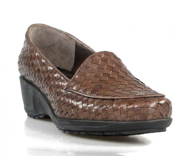 zapatos trenzados con cuña . u244