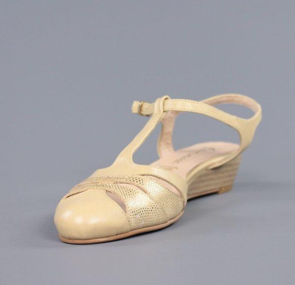 Zapatos beige crema destalonados.u854x
