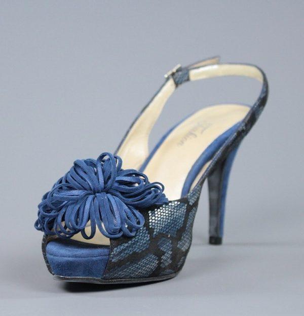 Peep toe pompom azul.u855