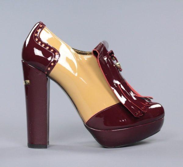 Zapato crema y burdeos.u916x