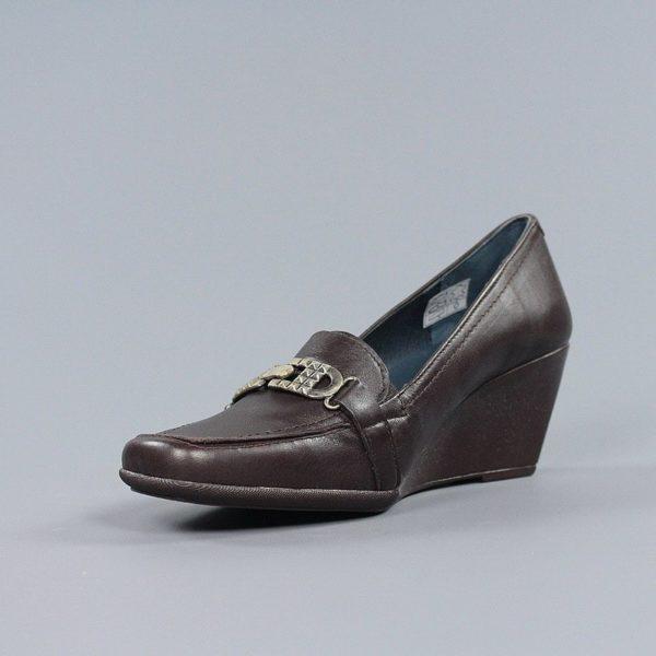 Zapatos marrones cuña.u971v