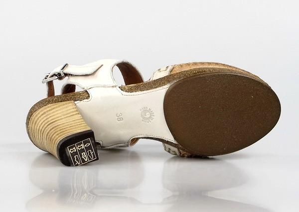 Zapato destalonado beige.u998t