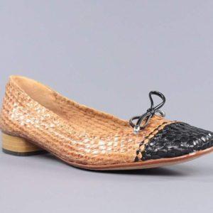 Zapatos trenzados beige.t003t